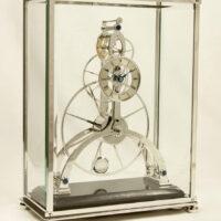 Sinclair Harding Tischuhr Great Wheel Skeleton Clock rhodiniert
