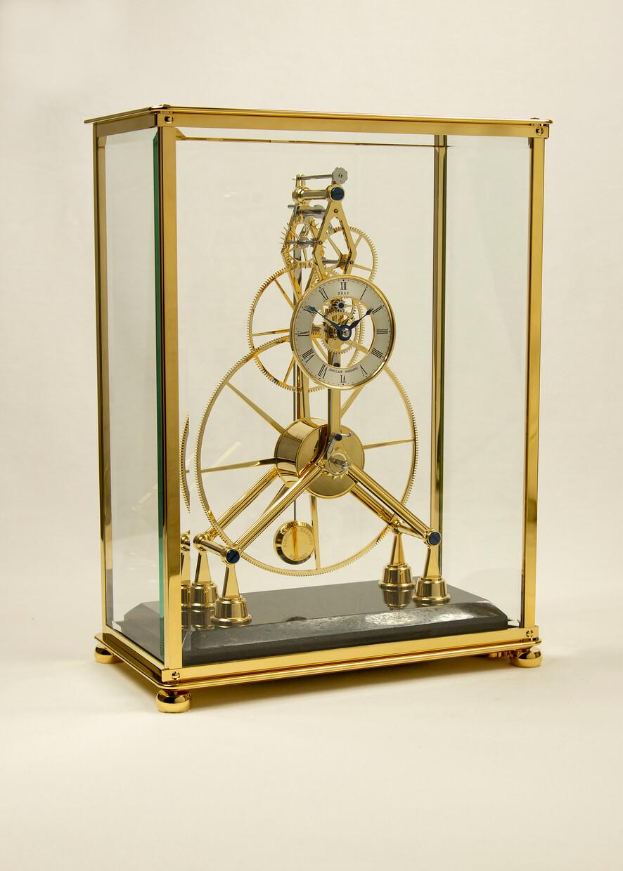 Sinclair Harding Tischuhr Great Wheel Skeleton Clock vergoldet